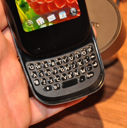palm-pre-plus-keyboard